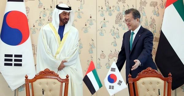 문재인 대통령과 모하메드 빈 자이드 알 나흐얀 아랍에미리트(UAE) 왕세제. (청와대 제공) 2019.2.27/뉴스1